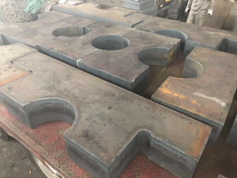 Q235B钢板下料
